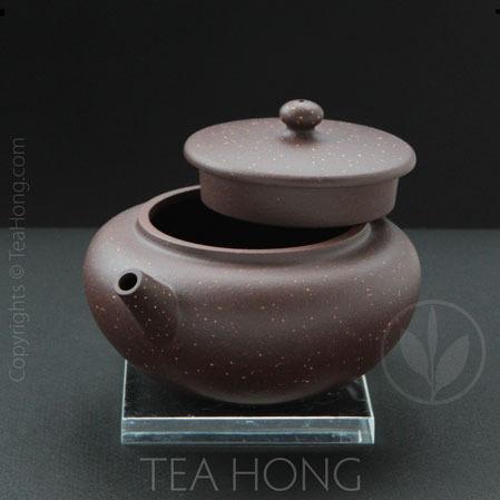 li qiang: zhizhu (Wise bead), 3 quarter front view