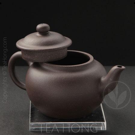 zhang zun: round ear xiaoying, 3 quarter front view