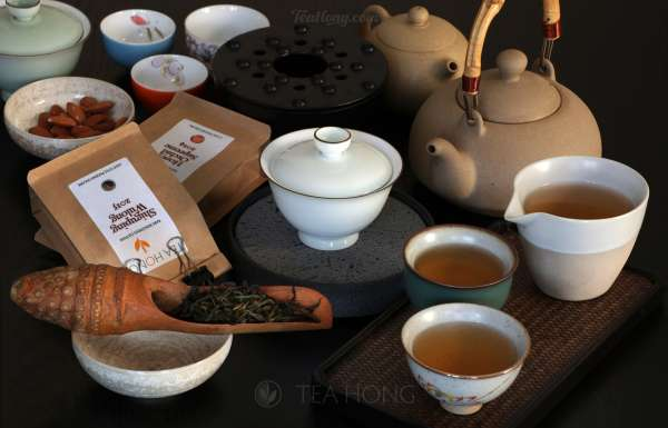 Phoenix oolong in gongfu tea style