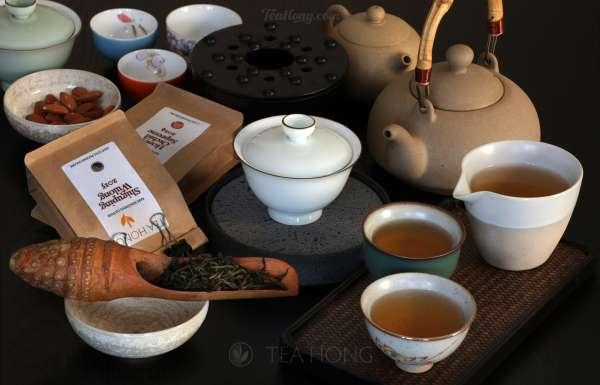 Phoenix oolong in gongfu tea style