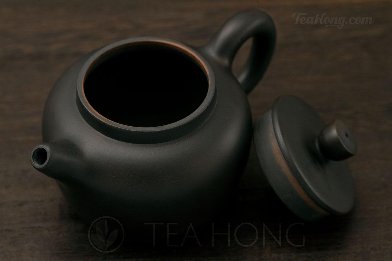 Yunnan Zitao: Black Lotus Seed