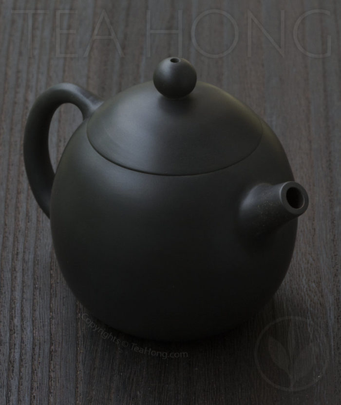 Yunnan Zitao Teapot   Yau Cheng: Dragon Egg — Black, 3 quarter front