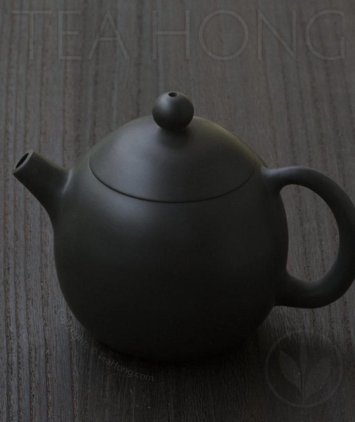 Yunnan Zitao Teapot   Yau Cheng: Dragon Egg — Black, side view