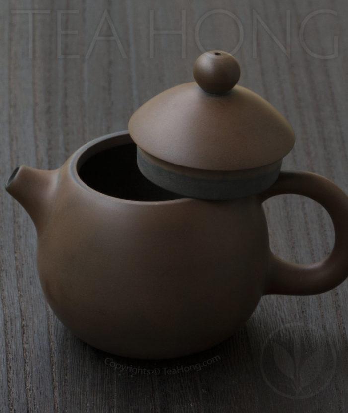 Yunnan Zitao Teapot   Yau Cheng: Dragon Egg — Coffee colour, side view
