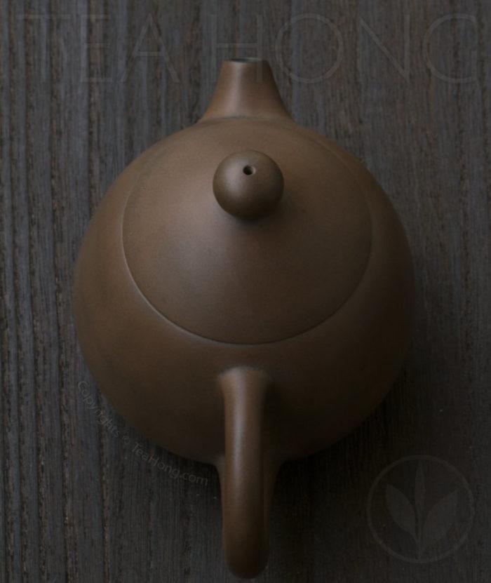 Yunnan Zitao Teapot   Yau Cheng: Dragon Egg — Coffee colour, top view