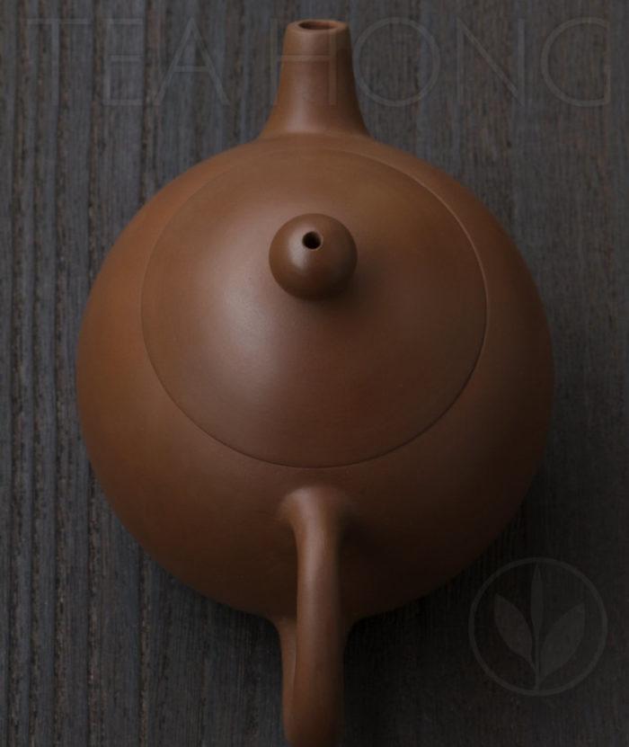 Yunnan Zitao Teapot   Yau Cheng: Dragon Egg — Red, top view